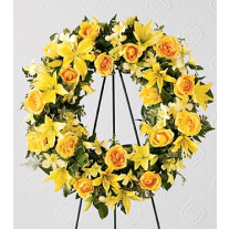 S38-4217 The FTD® Ring of Friendship™ Wreath